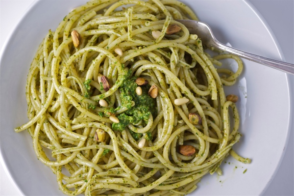 pistachio and pine nut pesto